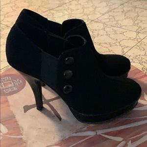 Kenneth Cole - UNLISTED - Platform heels